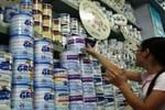 """Phớt lờ quy định, doanh nghiệp sữa đang """"nhờn"""" luật?"""