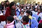 Vinamilk tặng 54.000 ly sữa cho trẻ em nhiễm chất độc da cam Thái Bình