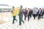 Đoàn công tác Quốc hội viếng mộ cố Đại tướng Võ Nguyên Giáp