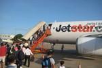 """""""Từ chối"""" khách khuyết tật: Vì sao phạt Vietjet, """"tha"""" Jetstar?"""