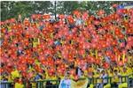 Hình ảnh đẹp của cổ động viên FLC Thanh Hóa trên sân Gò Đậu