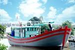 Viecombank hạ thủy tàu cá hỗ trợ ngư dân ra khơi