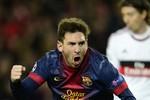 """""""Quái vật"""" Messi trỗi dậy"""