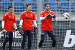 "Vấn đề ""số 1"" của Real Madrid: Diego Lopez hay Iker Casillas?"