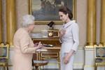 Angelina Jolie vinh dự nhận tước Phu nhân danh dự