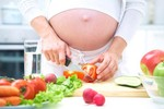 Mang thai cần tránh những thực phẩm này
