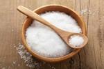 7 dấu hiệu cảnh báo chế độ ăn quá nhiều muối