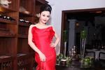 Hoa hậu cuộc thi tai tiếng Julia Hồ 'đỏ mọng' quyến rũ
