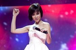 Uyên Linh, Văn Mai Hương trông thế nào đêm Valentine?
