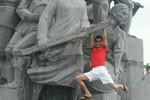 'Cấm Hiệp gà đến khu tượng đài Xô Viết trong 3 năm'