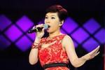 Cô gái 'na ná' Uyên Linh ngậm ngùi rời Vietnam Idol