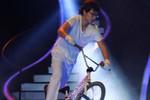 Trung Đức trình diễn đi xe đạp lôi cuốn tại BK Got Talent