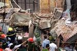 Sập nhà cổ ở trung tâm Hà Nội, nhiều người thương vong