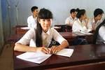 Cô học trò nghèo phải bỏ học đi ở đợ đã quay lại trường