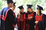 Các bậc phụ huynh có biết ở giảng đường đại học, con mình học điều gì không?
