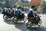 Hà Nội chấn chỉnh vi phạm trật tự giao thông tại trường học