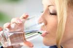 Dấu hiệu cảnh báo cơ thể đang tiêu thụ nhiều muối