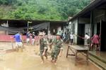 Bộ trưởng Nhạ yêu cầu đảm bảo cho học sinh vùng mưa lũ