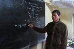 Bí quyết giảng dạy đặc biệt của thầy giáo không bằng cấp
