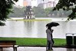 Người Hà Nội đón gió lạnh đầu mùa
