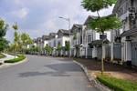 Lạc vào phố biệt thự 10 năm không có người ở tại khu đô thị Văn Quán