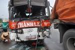 Xe khách mất lái gây tai nạn liên hoàn, một người tử vong