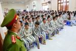Người bị giam giữ được sử dụng kinh sách, bày tỏ niềm tin tín ngưỡng, tôn giáo