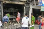 Cháy lớn tại nhà hàng, khu dân cư hoảng loạn di tản giữa đêm