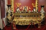 Độc đáo bộ gốm men cổ dát vàng được xác lập kỷ lục Việt Nam