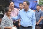 Tập đoàn Điện lực Việt Nam hỗ trợ người dân Chương Mỹ khắc phục hậu quả lũ lụt