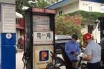 Giá xăng dầu lại đồng loạt tăng mạnh