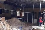 Trường Nà Ớt vẫn ngập bùn đất, mượn nhà văn hóa thôn để khai giảng
