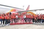Dàn người đẹp dự thi Hoa hậu Việt Nam rạng rỡ trên chuyến bay Vietjet