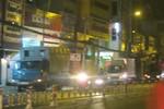 Giáp tết, xe tải nặng vô tư đi giờ cấm, làm rối loạn giao thông TP.HCM