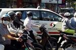 Người Sài Gòn vật vã với cái nắng nóng gần 40 độ C sau tết