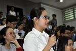 Sinh viên ở Sài Gòn than hay bị mất đồ, dọa nạt khi đi xe buýt