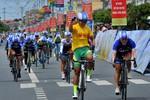 """Nguyễn Thị Thật """"vô đối"""" ở giải đua xe đạp nữ An Giang do Tân Hiệp Phát tài trợ"""