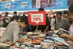 Hàng nghìn bạn trẻ háo hức với Hội chợ sách quốc tế
