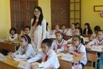 Giáo viên nữ mặc trang phục nào lên lớp là phù hợp nhất?