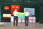 Vietcombank trao tặng 3 xuồng CQ trị giá 10,5 tỷ đồng cho các chiến sỹ hải quân