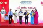 Trường Trung học cơ sở Lê Quý Đôn đón nhận Huân chương lao động hạng Nhì