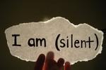 Im lặng là vàng hay đồng lõa?