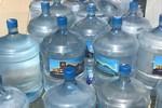 Trường Chu Văn An tự ý thay nước uống, học sinh đau bụng, phụ huynh kêu trời