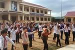 Niềm vui của học sinh bản Mông