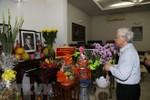 Tổng Bí thư thắp hương tưởng niệm nguyên Tổng Bí thư Nguyễn Văn Linh