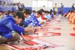 Hơn 1.000 ông đồ tấp nập cho chữ tại Trường Việt - Úc Hà Nội