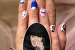 Katy Perry sơn móng tay hình Tổng thống Obama