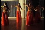 Nữ sinh Thương mại gửi clip belly dance gợi cảm