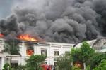 Video: Vụ hỏa hoạn tại Bắc Giang, hàng nghìn công nhân phải sơ tán