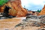 Vỡ thủy điện ở Gia Lai: Chủ tịch tỉnh đến vẫn chưa thấy chủ đầu tư đâu